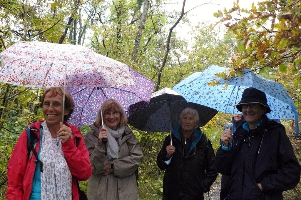 Sourires et parapluies